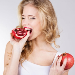 How Fruits Can Help You Eradicate Acne?