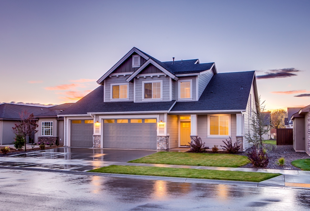 Starting A Renovation: 5 Roof Remodeling Tips