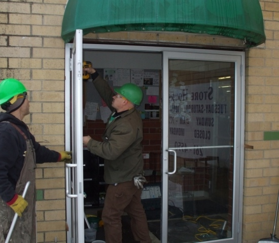 Why You Should Consider Storefront Glass Glazing?