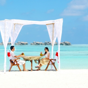 Why You Should Honeymoon In Maldives