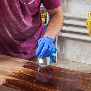 Costs and Benefits Of Availing Hardwood Floor Repair Service
